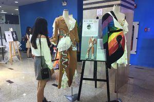 Khám phá triển lãm thời trang ứng dụng của học sinh