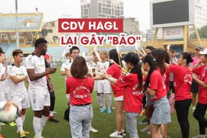 Cổ động viên HAGL 'đại náo' sân vận động Hàng Đẫy