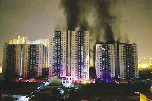 Hàng nghìn cơ sở 'cháy là chết'