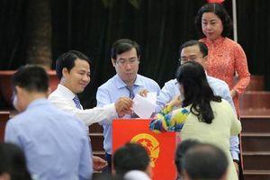 Miễn nhiệm 3 Ủy viên UBND TPHCM