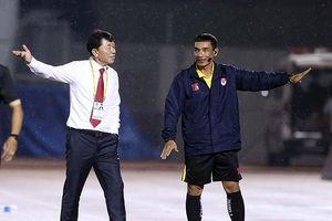 CLB TPHCM bị cầm hòa, thầy Chung giận 'tím mặt' với trọng tài