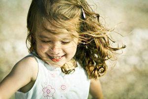 5 điều cha mẹ cần làm để con thành 'đứa trẻ hạnh phúc'