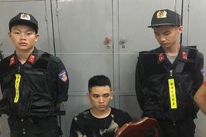 CSCĐ bắt quả tang đối tượng tàng trữ trái phép chất ma túy