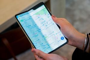 Bị lùi thời hạn ra mắt, chuyện gì đã xảy ra với 'siêu phẩm' Samsung gập đôi?