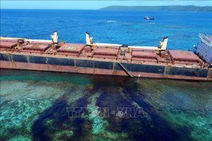 Giải cứu tàu mắc cạn hơn 3 tháng gần đảo san hô lớn nhất thế giới