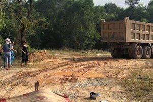 Va chạm giữa xe tải và xe máy, 2 người thương vong