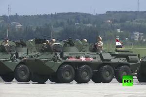 Nga duyệt binh hoành tráng phô diễn sức mạnh ở Syria