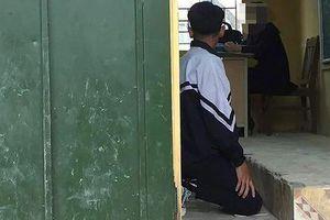 Hà Nội đình chỉ cô giáo bắt học sinh quỳ trong lớp