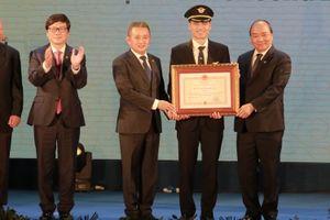 Thủ tướng trao Huân chương Độc lập hạng nhì cho Đoàn Bay 919 - Vietnam Airlines