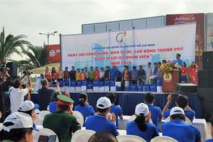 Hơn 2.000 công nhân, lao động TP. Hồ Chí Minh tham gia 'Ngày vì lợi ích đoàn viên'