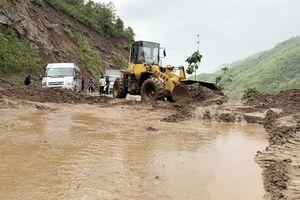 Mưa lớn gây thiệt hại tại Sơn La, Bến Tre
