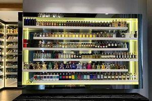 'Soi' tủ nước hoa toàn hàng hiệu đắt đỏ của sao Việt