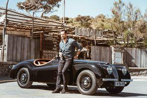 Để sở hữu chiếc Jaguar cổ đặc biệt này, chủ xe phải đợi tới 12 tháng để phục chế