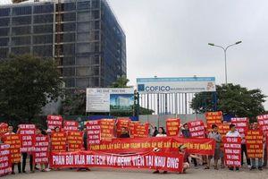 Cư dân Ngoại giao đoàn xuống đường phản đối Chủ đầu tư