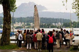 12.000 nhân viên Trung Quốc được công ty mời đi du lịch Thụy Sĩ
