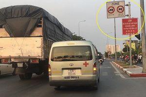 'Làm luật' cho xe tải đi vào giờ cấm ở TP.HCM