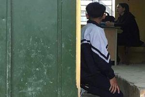 Phạt học sinh quỳ gối: Quá khắt khe với ứng xử của giáo viên?