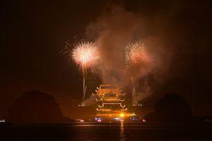 Rực rỡ màn pháo hoa mừng Đại lễ Vesak 2019