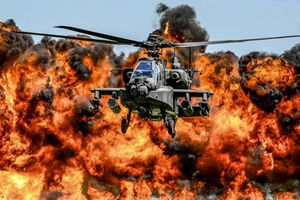 Ấn Độ nhận trực thăng tấn công Apache đầu tiên