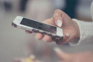 3 bệnh xương khớp hay gặp do smartphone gây ra