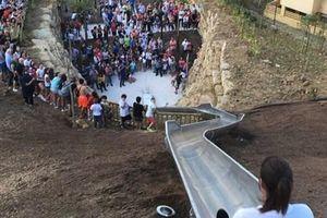 Cầu trượt dài nhất Tây Ban Nha phải đóng cửa sau 24 giờ khai trương