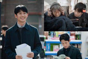 Vì sao chưa lên sóng nhưng 'Spring Night' của Jung Hae In và Han Ji Min lại là bộ phim không nên bỏ lỡ?