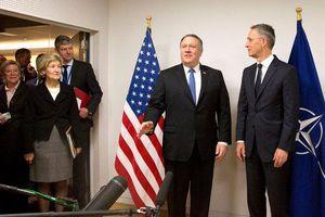 Ngoại trưởng Mỹ thăm 'chớp nhoáng' Brussels trước khi đến Nga