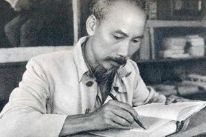 Trưng bày 200 tài liệu, hiện vật chuyên đề 'Hồ Chí Minh - Chân dung một con người'