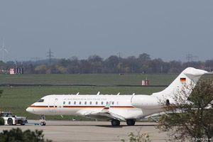 Chuyên cơ của Thủ tướng Đức bị ô tô đâm tại sân bay