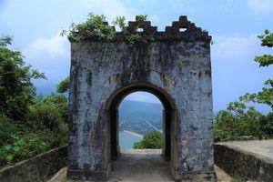 Cổng trời trên đỉnh đèo Ngang nhìn từ trên cao