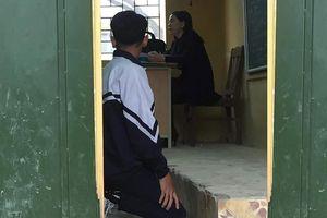 Phụ huynh tố bị giả chữ ký vụ cô giáo phạt học sinh quỳ trước lớp
