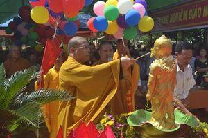Đại lễ Phật Đản: Tại sao phải tắm Phật trong ngày Phật đản sinh?