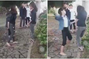 Xôn xao clip 2 nữ sinh lớp 10 bị đánh hội đồng dã man