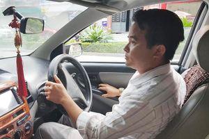 Thầy giáo dạy lái xe tiết lộ lý do 'sờ' vào đùi nữ học viên