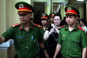 Xét hỏi lại hot girl Ngọc Miu, người tình của trùm ma túy Văn Kính Dương