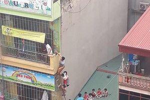 'Chưa đến mức phải đưa trẻ thoát hiểm bằng thang băng qua mái nhà sau vụ cháy'