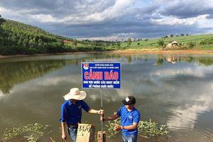 Huyện miền núi Nghệ An cắm 85 biển cảnh báo tai nạn đuối nước trẻ em