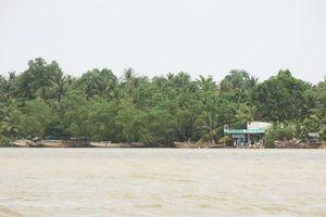 Bài 1: Sông Hàm Luông 'dậy sóng', 'cát tặc' mặc sức tung hoành và hung hãn