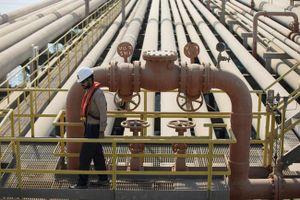 Giá 'vàng đen' tăng vọt sau khi Saudi Arabia bị UAV tấn công các cơ sở dầu mỏ