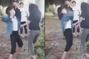 Hai nữ sinh lớp 10 Nghệ An bị đánh hội đồng, tung clip lên Facebook