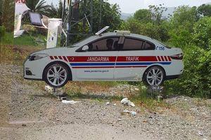 Cảnh sát làm 'đồ giả' để 'dọa' lái xe chạy quá tốc độ