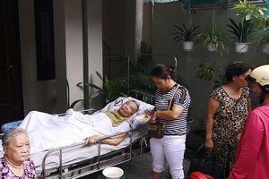 Cháy nhà, dân Đà Nẵng lao vào cứu cụ ông bị liệt