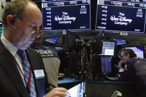 Chứng khoán Mỹ tăng điểm do bớt lo ngại tác động cuộc chiến thương mại leo thang