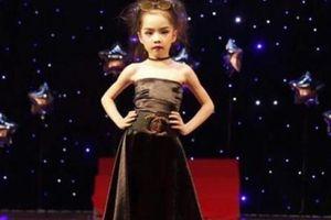 Cô bé 7 tuổi và niềm đam mê với sàn catwalk