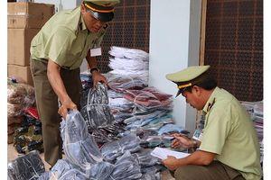 Thu giữ hàng nghìn sản phẩm hàng hóa nhập lậu