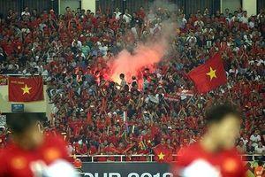 AFC phạt Liên đoàn Bóng đá Việt Nam gần 1 tỷ đồng vì pháo sáng