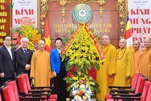 Chủ tịch Quốc hội Nguyễn Thị Kim Ngân thăm và chúc mừng Giáo hội Phật giáo Việt Nam