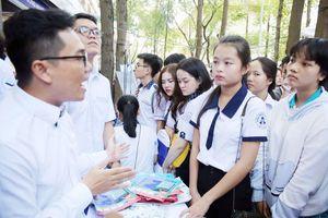 Thi THPT quốc gia: Phụ huynh áp lực hơn cả học sinh