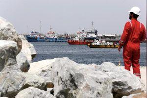 Sau vụ phá tàu, 2 trạm bơm dầu Ả-rập Xê-út bị tấn công