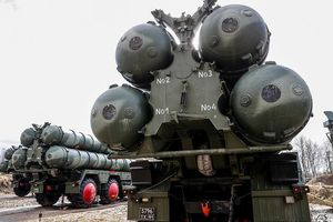 Mỹ càng chống trả đòn S-400, Nga càng lấn tới?